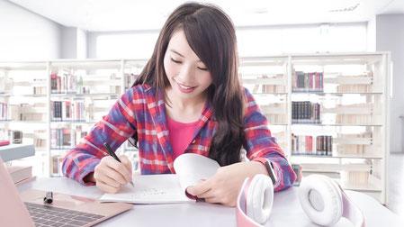 TOEFL対策は効率的なオンラインで!!
