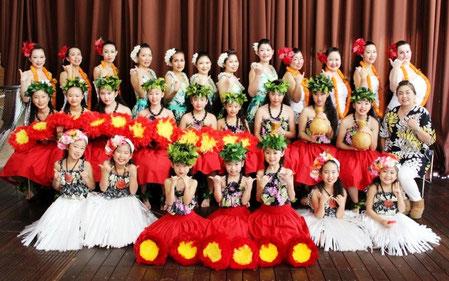 アロハランドin横浜・アロハカリキマカステージ 皆さんへ笑顔のプレゼント!