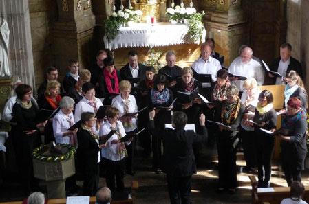 Gesamtchor beim Kirchenkonzert in Premich - 210413