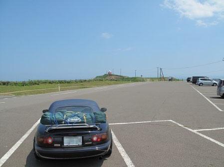 6月27日12:27 向こうの灯台が霧多布岬