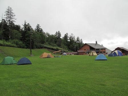 沢山のソロキャンパーがおります・・白銀荘前キャンプ場