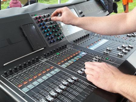 Wied in Flammen, Tontechnik, Lichttechnik, Bühnenbau, Audioservice Rheinbrohl,