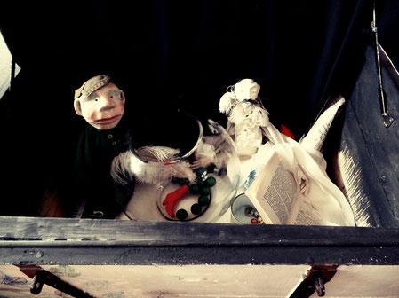 """""""Auf meinem Rücken wächst ein Garten"""", szenische Bilderbuchlesung mit Autorin Birgit Unterholzner und Puppenspielerin Eva Sotriffer"""