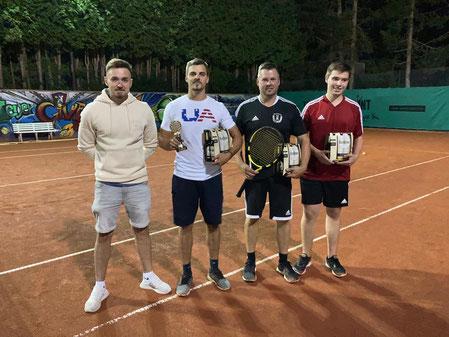 v.l.n.r Sven Münster, Lukas Lohner, Michael Hagenburger, Yannik Rauch