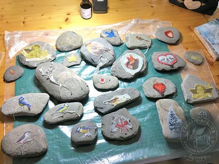 Steine vor dem Anwenden der Serviettentechnik