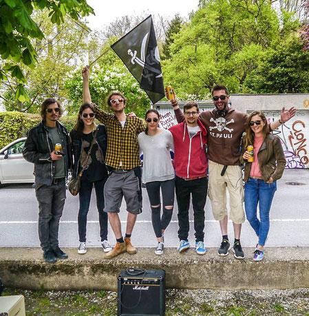 Band und Crew nach dem Dreh