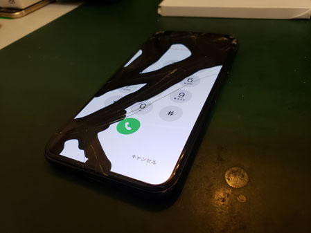 iPhoneX液晶破損で帯状に有機ELが光らない
