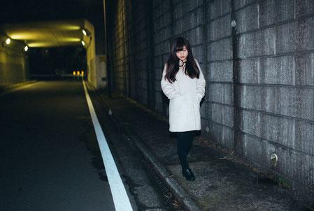 肩コリを治すために歩く奈良県香芝市の女性