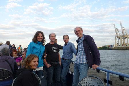 Hier sehen Sie ein Foto von einnem Betriebsausflug nach Hamburg