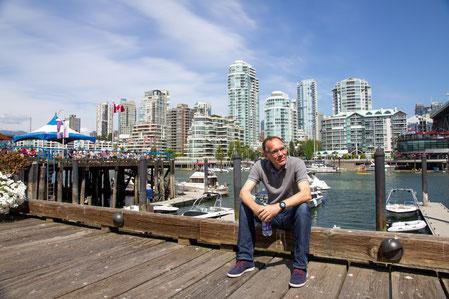 Gemütlich den Jetlag wegträumen, vor großer Vancouver Kulisse, bevor es mit dem Wohnmobil auf Tour geht