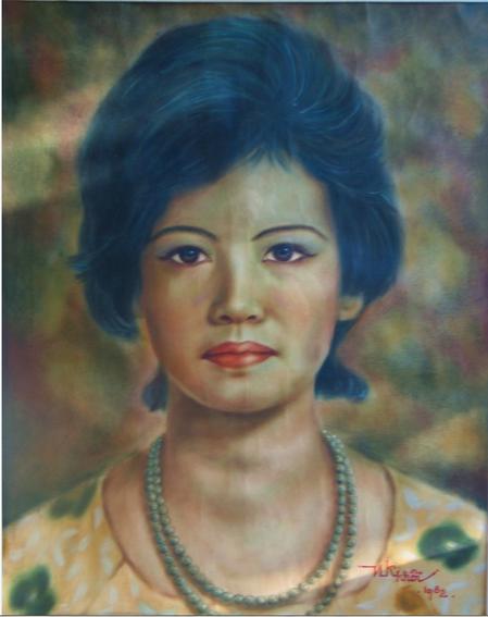 1982. PORTRAIT DE MA MERE. par NGÔ KIM-KHÔI, HUILE SUR TOILE. 40 x 50cm. .......MADAME NGUYÊN THI NGOC-TRÂM, née EN 1932,  EST LA 3è ENFANT DE NAM SON, ARTISTE-PEINTRE, CO-FONDATEUR DE L' ECOLE SUPERIEURE DES BEAUX-ARTS DE L'INDOCHINE (E.S.B.A.I)