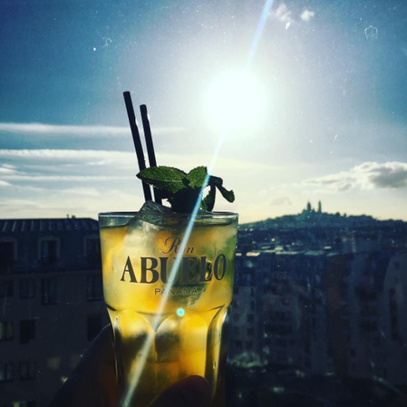 """Cocktail Ron Abuelo with a view"" Une photo de l'influenceur instagram vin & spiritueux @forgeorges"