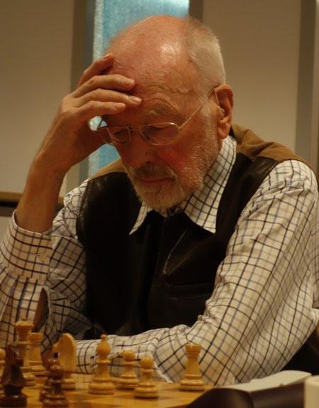 Udo Kopp hat nach seinem fünften Remis die Meisterschafts-Endrunde erreicht. (Foto: A. Obdenbusch)