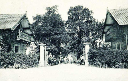 Entrée du Café des Pélerins 1922