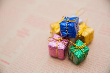 二回目のデートでは、アクセサリーや小物雑貨を女にプレゼントしよう