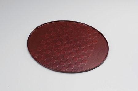 布張りの表面に市松模様を施し 落ち着いた あかね色に仕上げました