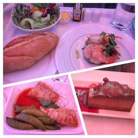 Eines der Essen im Flugzeug