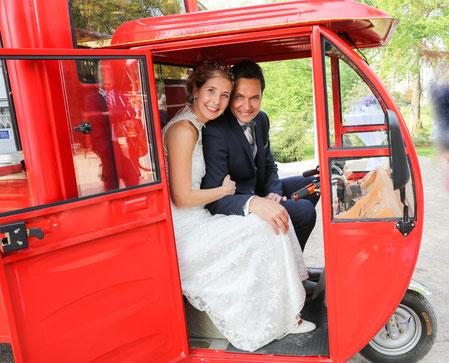 Mobile Bar für alle Hochzeiten, Feiern und Empfänge: Das Schampusmobil