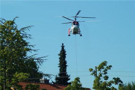 Beim Seilbahnumbau kam auch ein Hubschrauber zum Einsatz.  --  © Daniel Seeburger