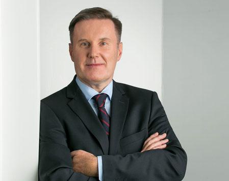 Dr. Herter, Rechtsanwalt und Fachanwalt für Steuerrecht in Frankfurt/Main, berät private Kunden und Unternehmen im besonderen zum schweizerisch-deutschen Erbfall und Vermögensanlage in der Schweiz - und auf weiteren ausgewählten Rechtsgebieten...