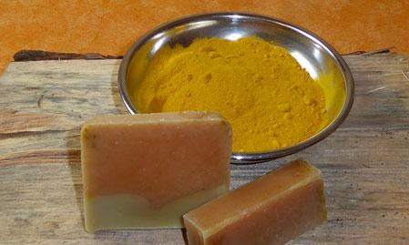 Kurkuma, gelbe Naturfarbe, Curry, Gelbwurz, gelber Ingwer, Safranwurzel