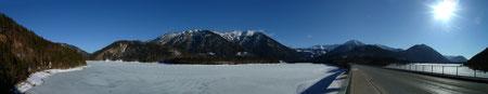 Der Sylvensteinsee - noch zugefroren!