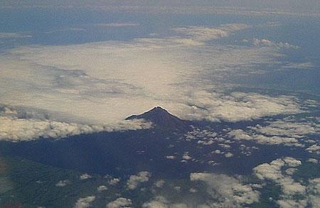 Flug nach Auckland, Mount Taranaki