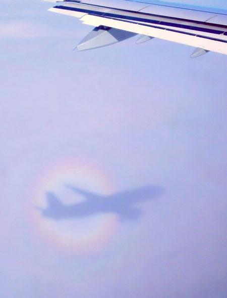 Glorie (beim Blick aus dem Flugzeug)
