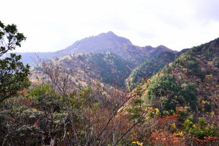 目指す鎌ヶ岳が全容を現した
