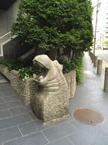 名駅北でぶらり庭散歩 面白いアイディアが沢山!! なんでカバ??