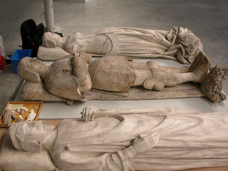 Gisants médiévaux. Musée des moulages de Lyon.
