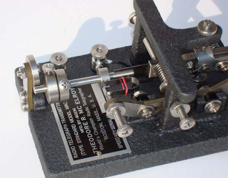 I6QON - A closer view of the mechanism and the label