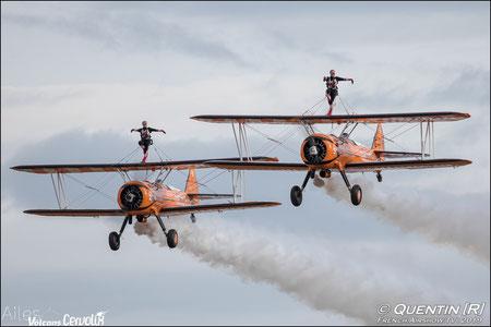 aerosuperbatics Breitling Wingwalkers  Patrouille BREITLING WING WALKERS breitling wingwalkers