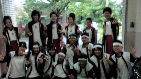 ゲスト出演の「輪島・和太鼓 虎之介」(前々年の全国優勝チーム)のみなさんと記念撮影。虎之介のみなさん、ありがとうございました!