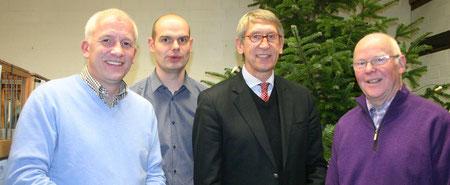 Die Verantwortlichen für die Ausstellung in Oelde: (v.l.) Martin Stiens (Vorsitzender der RV Oelde und Umgebung), Jörg Brieler (Geschäftsführer), Schirmherr Karl-Friedrich Knop und Ausstellungsleiter Hubert Lückemeier.