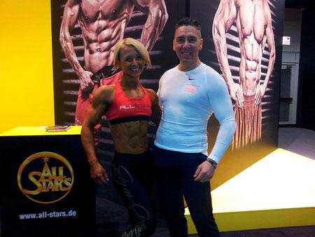 Bodymaker+Frau mit Sixpack