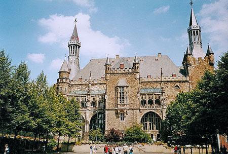 Aachen, am Rathaus