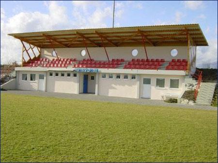 Sitzgelegenheiten für unsere Fußballfans