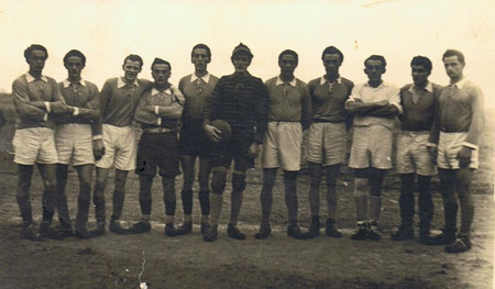 Die Mannschaft von 1950: v. l.: Jakob Rampf, Georg Bierlmeier, Josef Rieder, Josef Bierlmeier, Michael Breu, Josef Heimerl, Karl Fetzer, Karl Bäuml, Anton Kestler, Hans Fetzer, Georg Meier