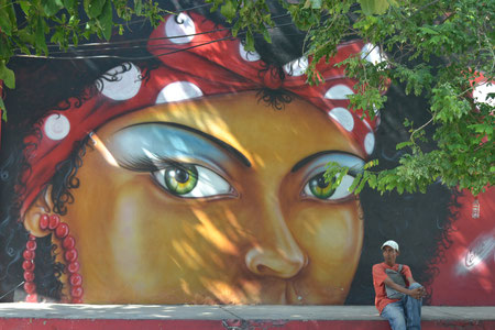 Mural frente a la Casa del Carnaval.