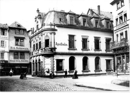 Um 1900