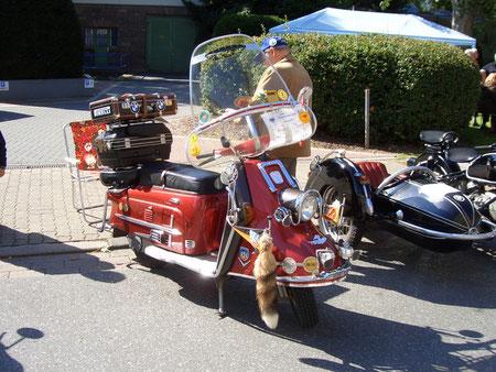 """Heinkel """"Tourist"""" von 1959in voller Ausstattung, das Traumfahrzeug vieler Jugendlicher in jenen Jahren"""