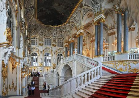Парадная лестница в Зимнем дворце.