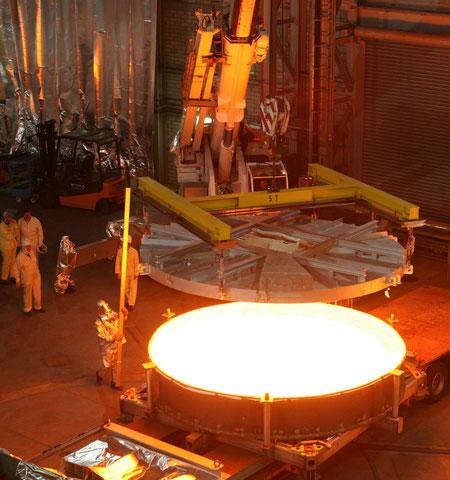 Восьми метровое зеркало для астрономических лабораторий, выпускаемое CHOTT