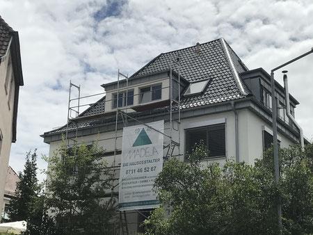 Haus mit Gerüst MADEJA e.K. Malerarbeiten Außenanstrich