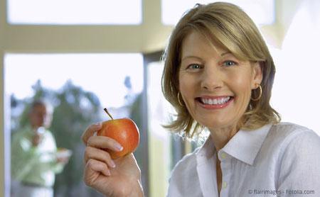 Implantate: Bessere Lebensqualität mit festen Zähnen