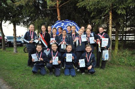 Unsere Voltigierer nach der Kreismeisterehrung 2011 (im Oktober 2011)