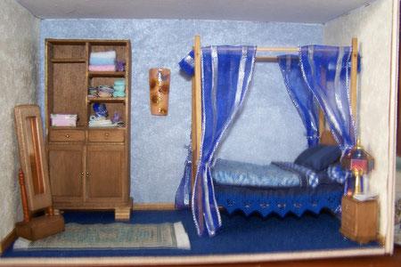 """chambre Anaïs """"tout fait main"""" le baldaquin, la literie, etc...."""