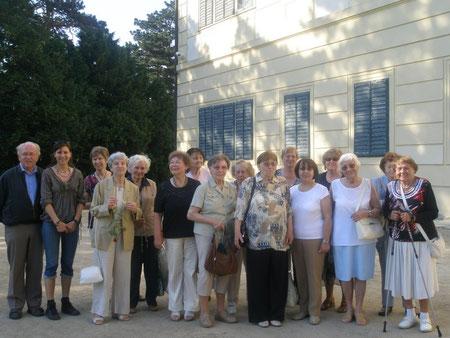 Mitglieder des Deutschen Kulturverbandes im Mai in Feldsberg - Valtice anläßlich der Einladung zum Konzert von Herrn Martino Hammerle-Bortolotti