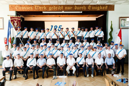 70 blaue Kappen zum Hessischen Frühschoppen des TV Jubiläums
